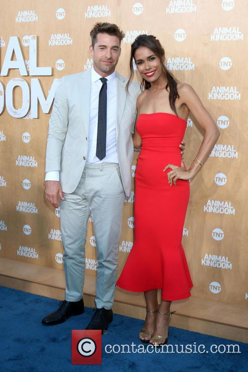 Scott Speedman and Daniella Alonso 8
