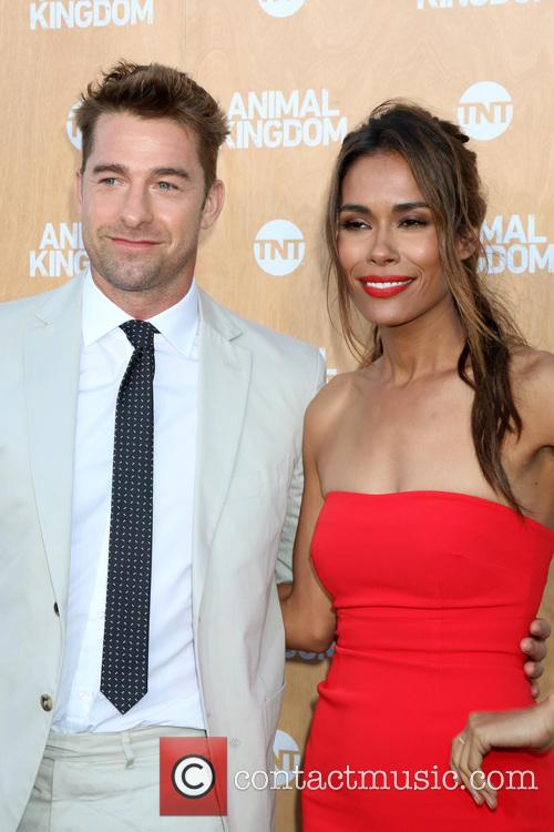 Scott Speedman and Daniella Alonso 9