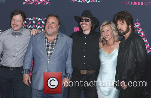 Travis Nicholson, Kevin Farley, John Sewell, Joey Lauren Adams and Billy Ray Cyrus 1