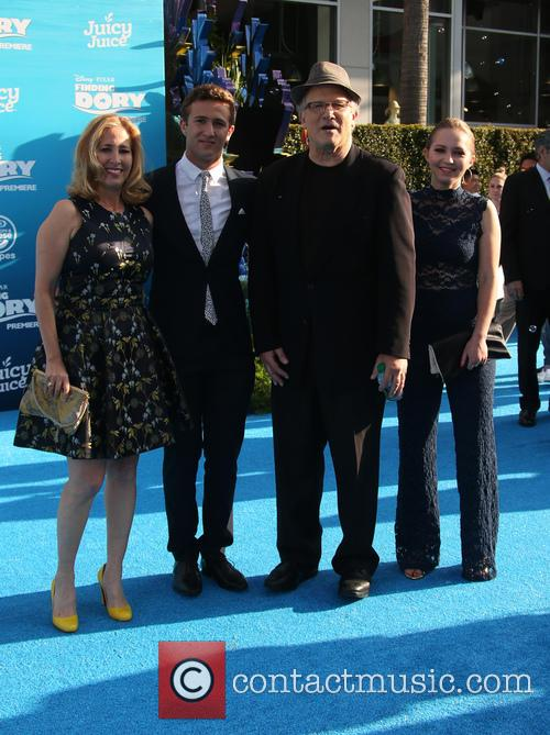 Albert Brooks, Kimberly Shlain, Claire Elizabeth Einstein and Jacob Eli Einstein 2