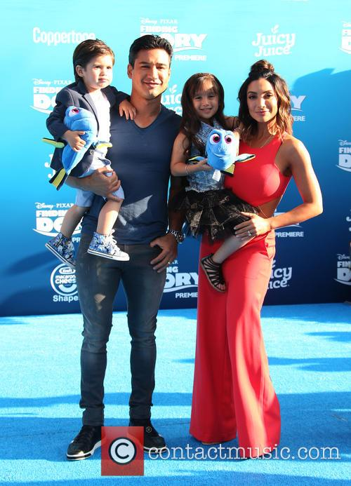 Mario Lopez, Courtney Laine Mazza, Dominic Lopez and Gia Francesca Lopez 3