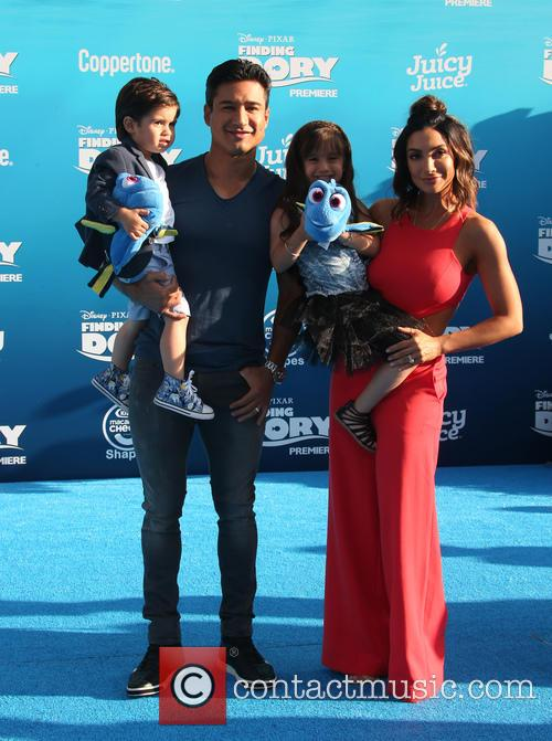 Mario Lopez, Courtney Laine Mazza, Dominic Lopez and Gia Francesca Lopez 4
