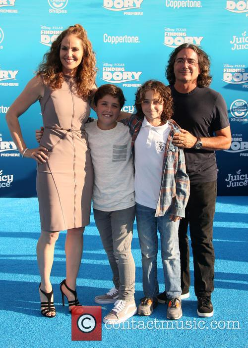 Amy Brenneman, Brad Silberling and Bodhi Russell Silberling 8