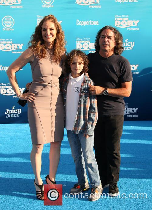 Amy Brenneman, Brad Silberling and Bodhi Russell Silberling 9
