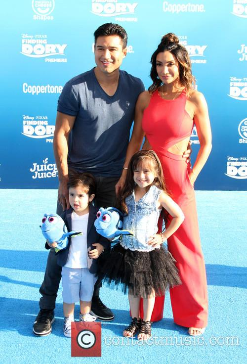 Mario Lopez and Family 3