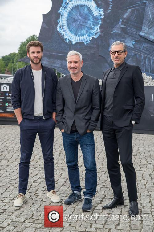 Chris Hemsworth, Roland Emmerich and Jeff Goldblum 9