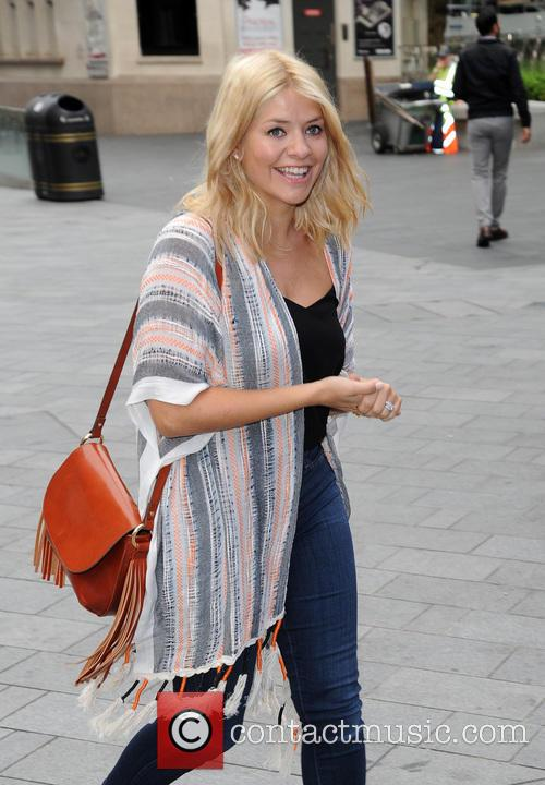 holly willoughby holly willoughby arrives at global. Black Bedroom Furniture Sets. Home Design Ideas