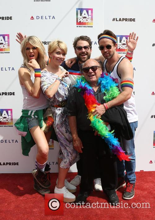 Danny Devito, Charlie Day, Rob Mcelhenney, Kaitlin Olson, Glenn Howerton and Mary Elizabeth Ellis