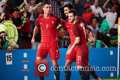 Cristiano Ronaldo, Andre Gomes and Vieirinha 3