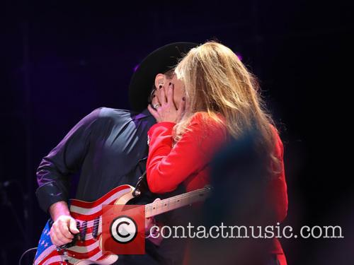 Clint Black and Lisa Hartman Black 10