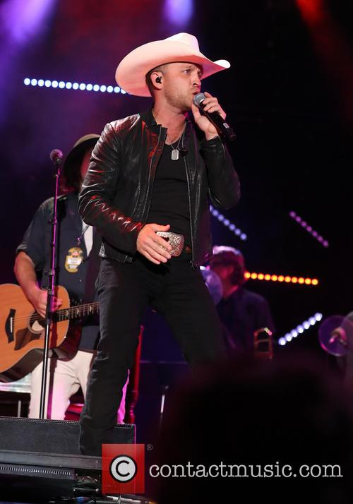Justin Moore 4