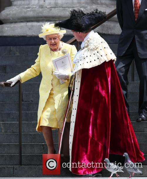 Queen Elizabeth Ii and Lord Mayor Of London Jeffrey Evans 6