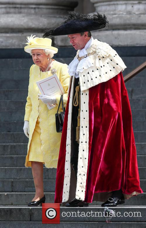Queen Elizabeth Ii and Lord Mayor Of London Jeffrey Evans 7