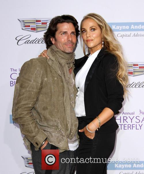 Elizabeth Berkley and Husband Greg Lauren 6
