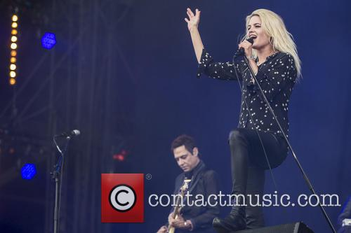 Alison Mosshart and Jamie Hince 3