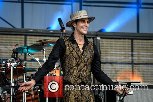 Perry Farrell and Janes Addiction 4