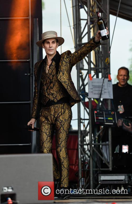 Perry Farrell and Janes Addiction 6