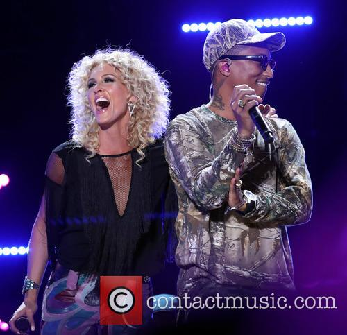 Pharrell and Little Big Town 4