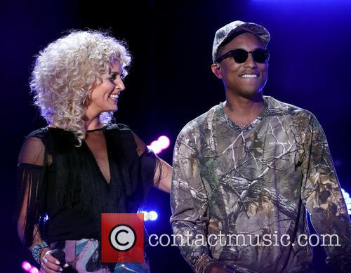 Pharrell and Little Big Town 6
