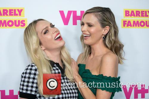 Actresses Erin Foster (l) and Sara Foster 5