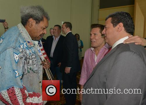 Don King, Julio César Chávez and Mauricio Sulaiman 3