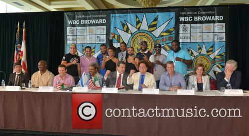 (front L_r) Cristian Bedoya, Evander Holyfield, Julio César Chávez, Don King, Mauricio Sulaiman, Romero Britto, Mayor Martin Kiar, Stacy Ritter, Ed Walls (top L-r), Niko Valdes, Dino Spencer, Joe Fournier, Chassity Martin, Marvin Campbell, Paulie Mallanggi, Trevor Bryant, Amir Imam and Bermain Stiverne 1