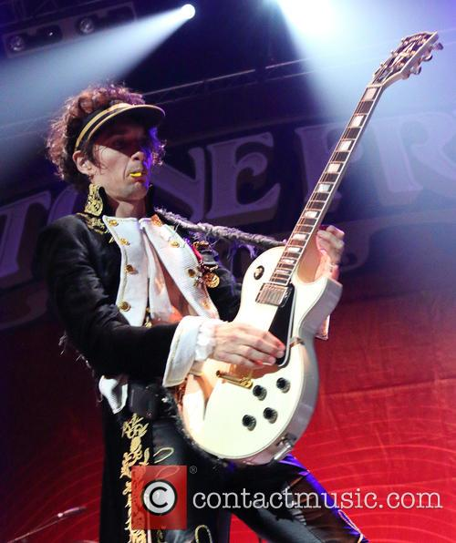 Justin Hawkins and The Darkness 5