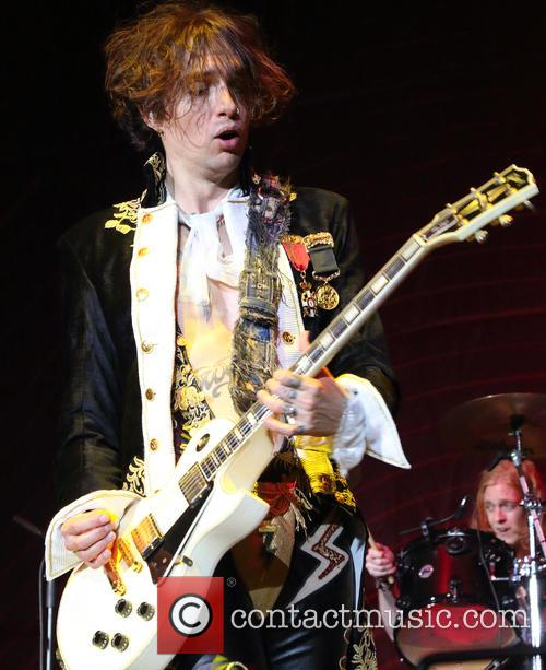 Justin Hawkins and The Darkness 7