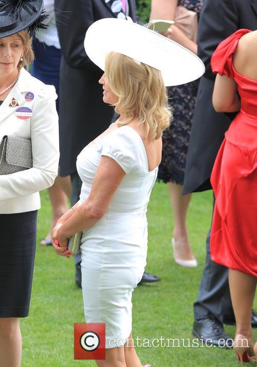 Amanda Redman 5