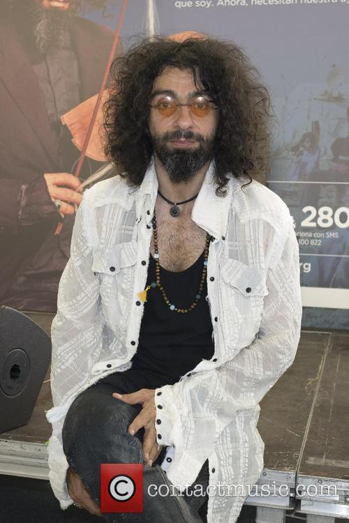 Ara Malikian during the '15 with the refugees'...