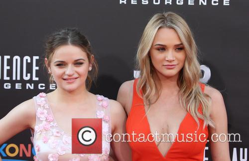 Joey King and Hunter King 9