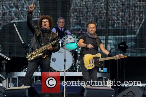 Bruce Springsteen, Max Weinberg and Jake Clemons 7