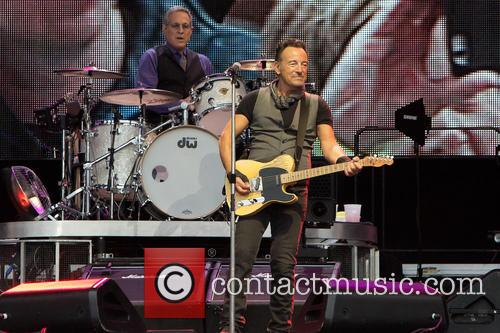 Bruce Springsteen and Max Weinberg 11