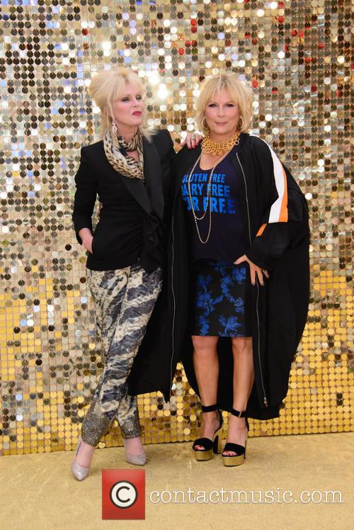 Jennifer Saunder and Joanna Lumley 3