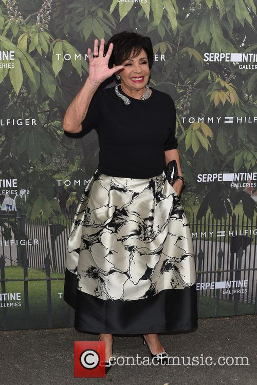 Dame Shirley Bassey Reassures Fans She's Still Alive