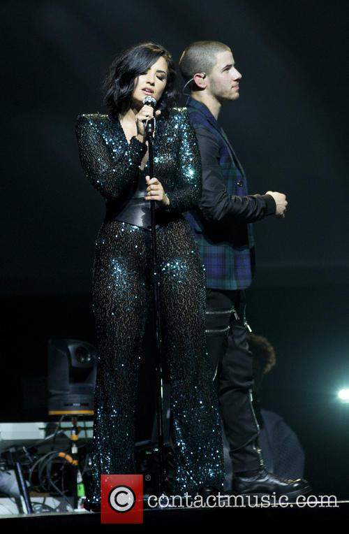 Demi Lovato and Nick Jonas 11