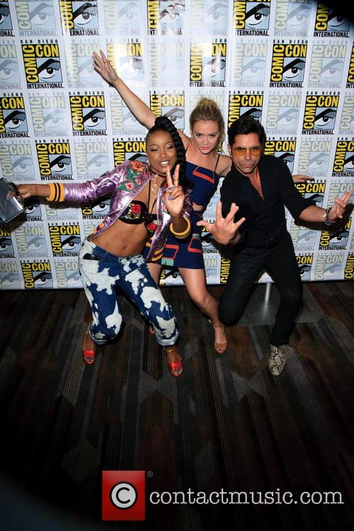 Keke Palmer, Billie Lourd and John Stamos 8