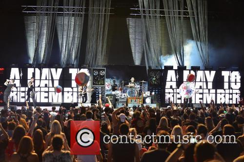 A Day To Remember, Kevin Skaff, Jeremy Mckinnon, Alex Shelnutt, Joshua Woodward and Neil Westfall 1
