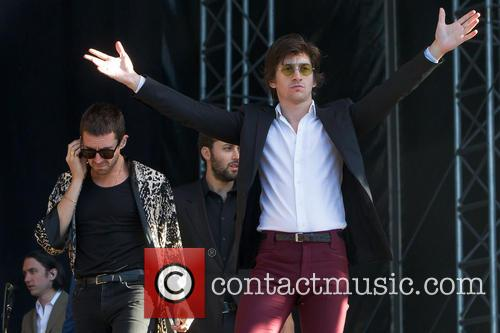 The Last Shadow Puppets, Alexander Turner and Miles Kane 1