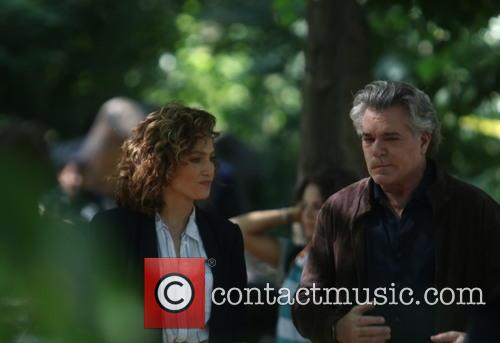 Jennifer Lopez and Ray Liotta 6