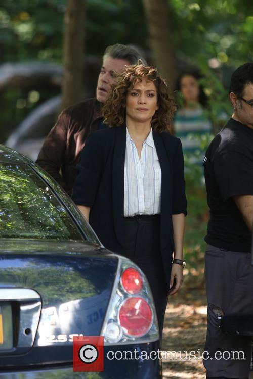 Jennifer Lopez and Ray Liotta 8