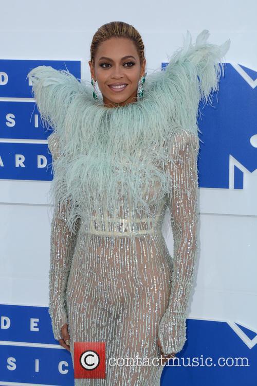 Beyonce Pulls Out Of Coachella Headline Slot