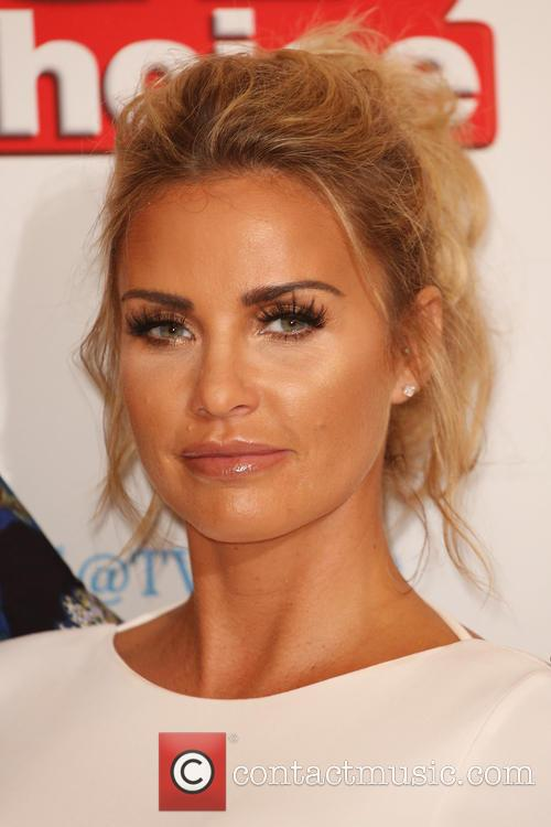 Katie Price Breaks Down Over Her Mum's Terminal Lung Condition