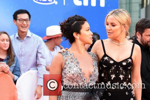 Kate Hudson and Gina Rodriguez 6