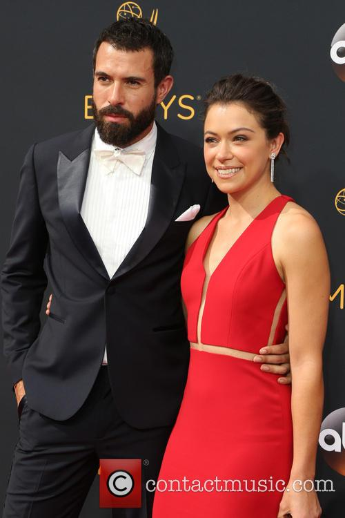 Tom Cullen and Tatiana Maslany 3