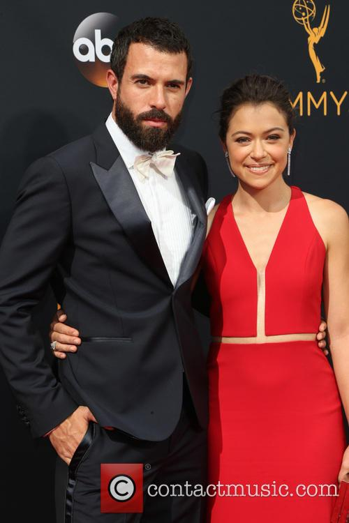 Tom Cullen and Tatiana Maslany 5