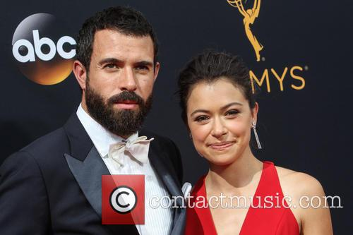 Tom Cullen and Tatiana Maslany 7