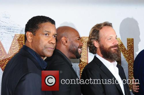 Denzel Washington, Antoine Fuqua and Peter Sarsgaard 2