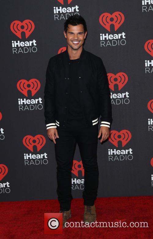 Taylor Lautner 7