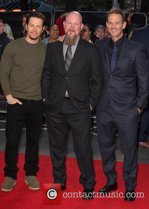 Mark Wahlberg, Mike Williams and Peter Berg 9